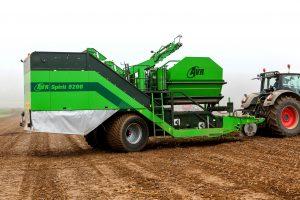 121025094 300x200 - Potato Harvesters