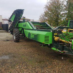 20200430 090735 300x300 - AVR ESPRIT 2 Row Trailing Harvester