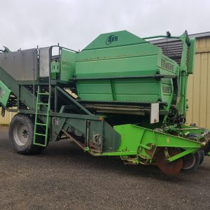 20200430 093529 300x300 - AVR SPIRIT 8200 2 Row Offset Trailing Bunker Harvester