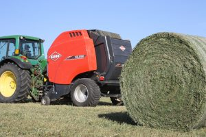 3160 300x200 - KUHN ROUND BALERS - Order NOW before stocks runout!