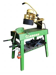IMG 1456 1 225x300 - DID YOU KNOW WE CAN SHARPEN Baler & Silage Wagon KNIVES?